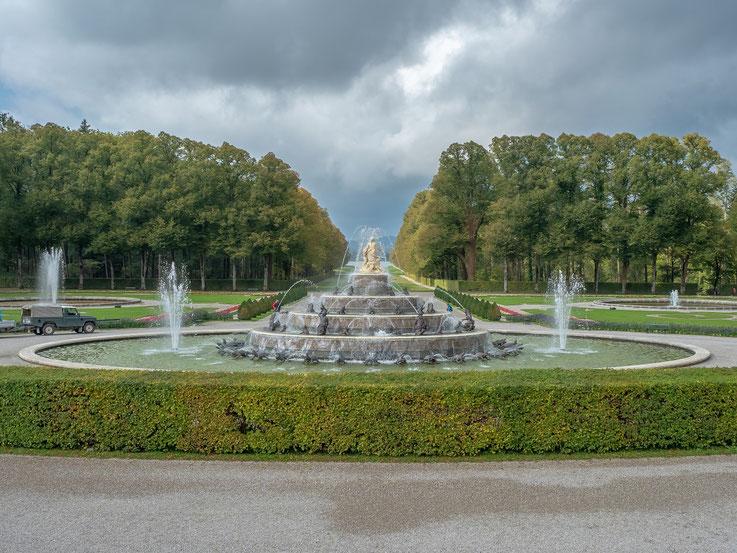 Vor dem Schloss befinden sich zahreiche Wasserspiele