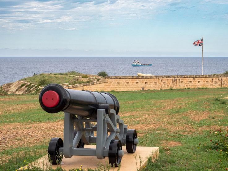 Der Malta Heritage Fund lässt, obwohl die Herrschaft der Briten über die Inseln längst Geschichte ist, noch oftmals den Union Jack über den historischen Stätten wehen.
