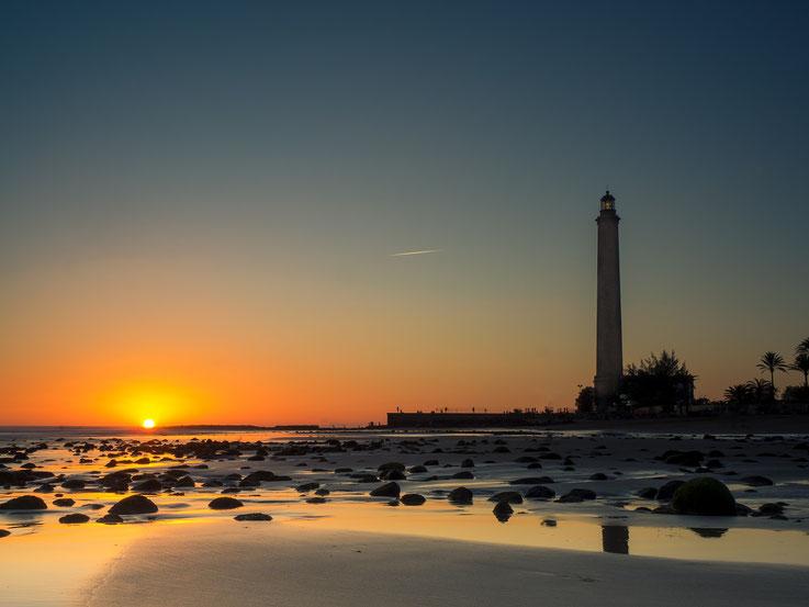 Sonnenuntergänge haben, wie häufig am Meer, ein ganz eigenes Format
