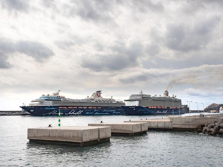 """""""Mein Schiff Herz"""" und """"Mein Schiff 3"""" im Hafen von Funchal / Madeira"""