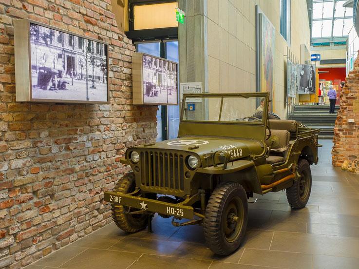 Der Jeep, einer der Symbole der alliierten Überlegenheit. In diesen Fahrzeugen fuhren nicht nur die westlichen Alliierten, sondern auch die Sowjetunion zum Sieg.