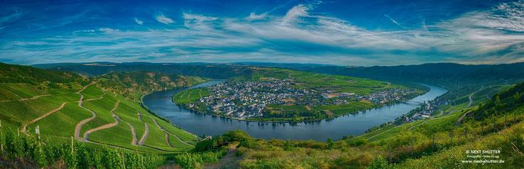 Panorama des Moseltals, aufgenommen von einem Spot oberhalb von Piesport.  Bitte aufklicken, es lohnt sich !