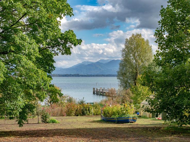 Blick vom Rundweg auf See und Berge - ich wäre zu gerne länger geblieben.