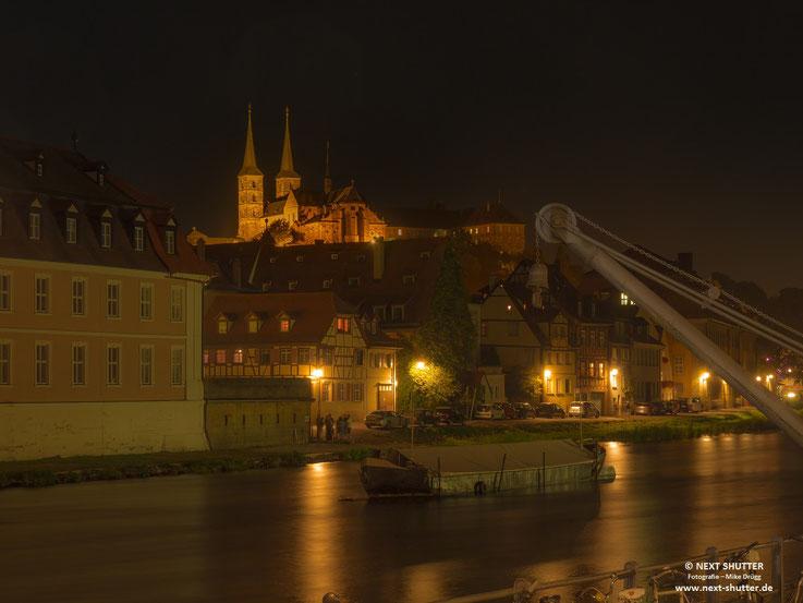 Bamberg, Ufer der Regnitz bei Nacht