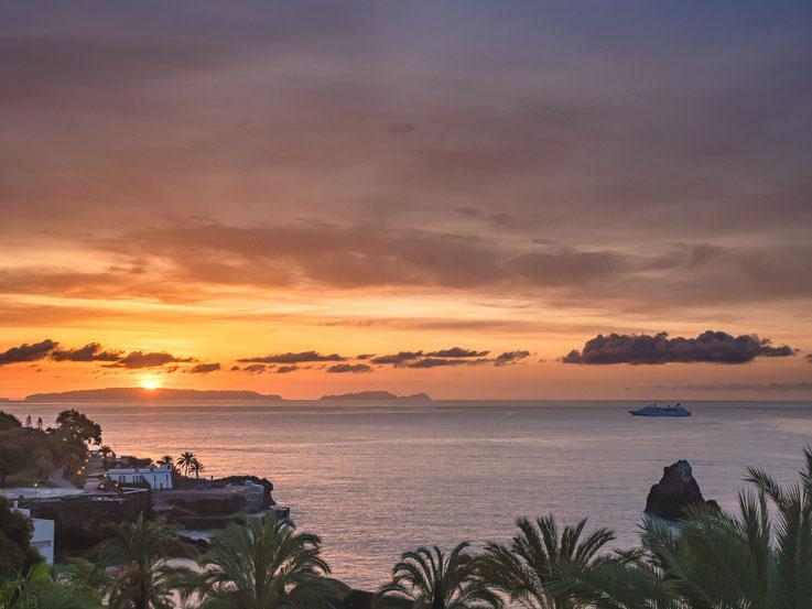 Ein Sonnenaufgang von unserem Hotelzimmer aus gesehen