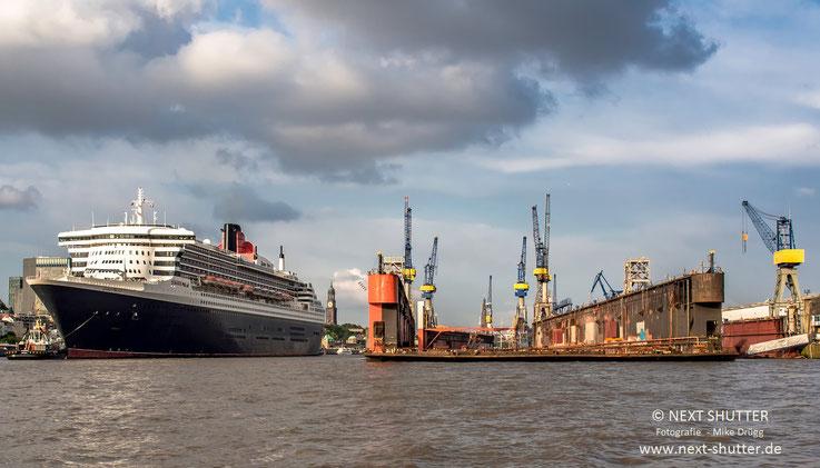 Rückwärts auf dem Weg zum Dock.....