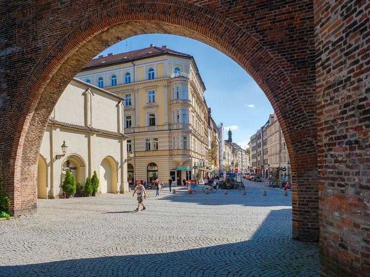 Blick vom Sendlinger Tor in die Sendlinger Straße.