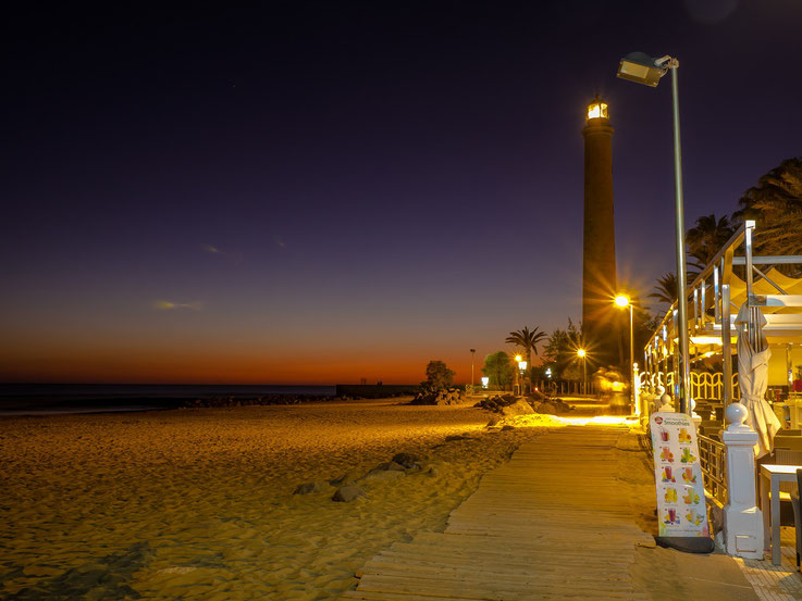 Irgendwann ist der schönste Sonnenuntergang zu Ende und die Bar schließt. Zeit wieder ins Hotel zu fahren.