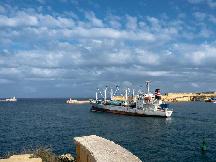 Die Hafen Ein- bzw. Ausfahrt Valettas