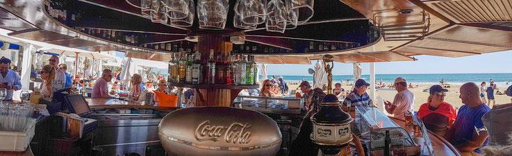 Die besagte Strandbar am IFA Faro Hotel. Ich bitte die Bildqualität zu entschuldigen, es ist ein mit dem Mobiltelefon erstelltes Panorama.