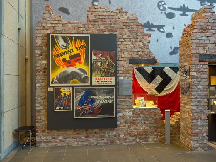 Der Krieg in Europa ist vorbei,  die Alliierten haben diesen Krieg gewónnen und Deutschland von den Nationalsozialisten befreit.