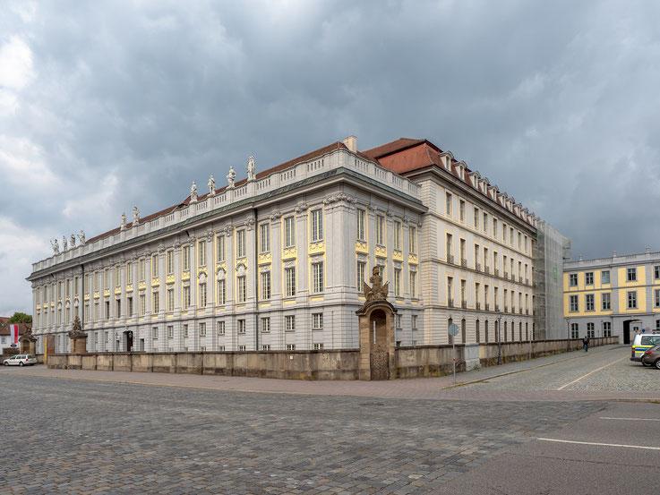 Die Residenz der Markgrafen von Brandenburg - Ansbach, heute Sitz der Regierung von Mittelfranken.