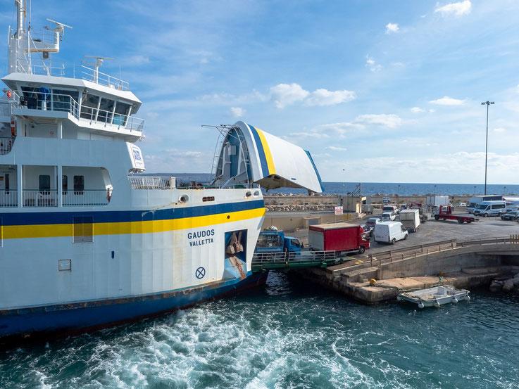 Gozo ist mit einer regelmäßigen Fährverbindung mit der Hauptinsel verbunden.