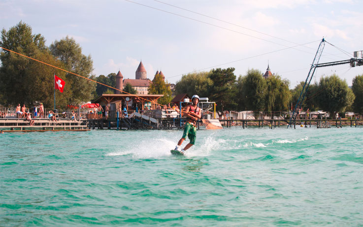Wasserskilift in Estavayer-Le-Lac