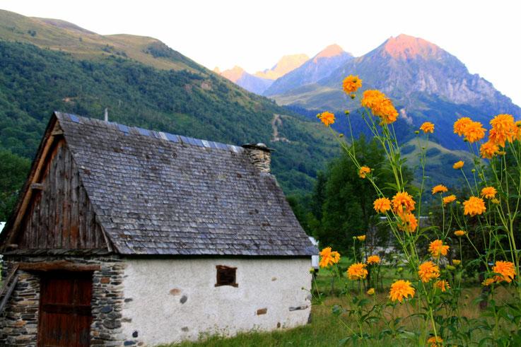 Grange montagnarde, Hautes-Pyrénées, France