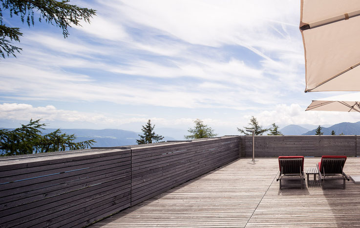 Panoramaterrasse des Vigilius Mountain Resorts