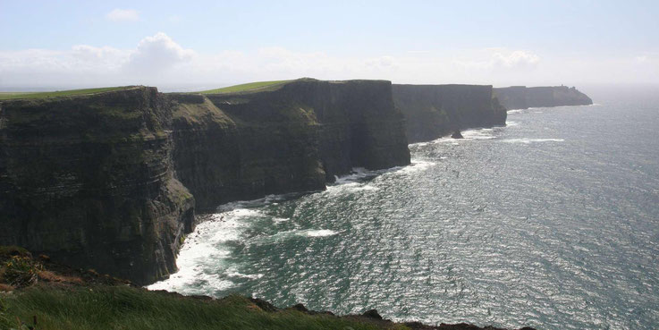 Hohe Klippen der Cliffs of Moher in Irland
