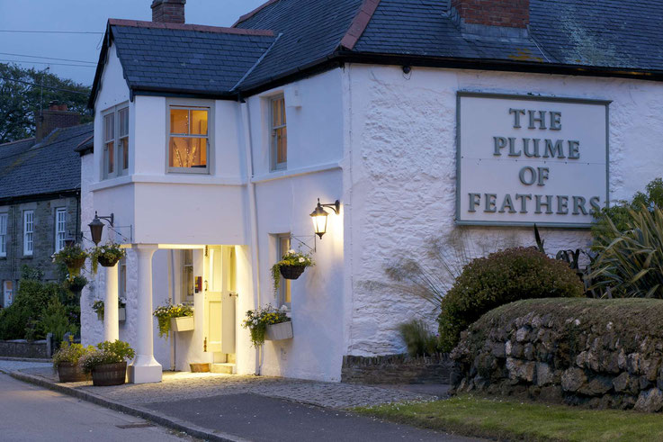 Aussenansicht Abends Plume of Feathers Cornwall
