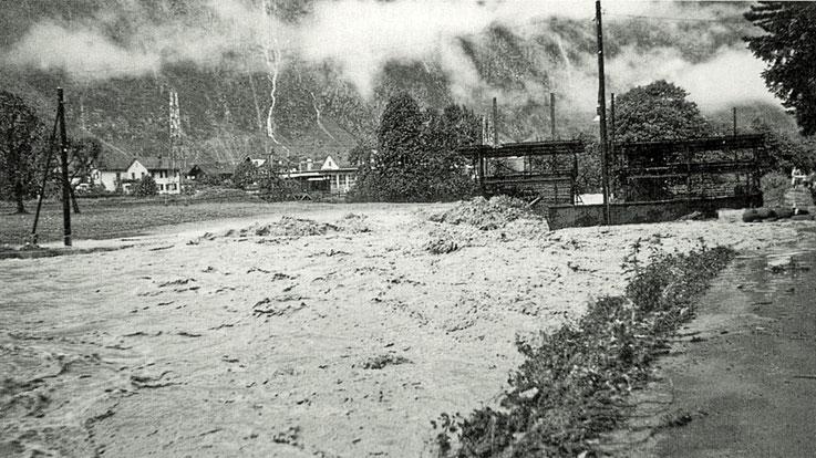 Linth unterhalb der Kalkfabrik.