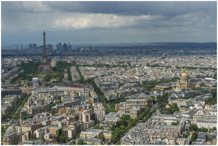 Paris mit Eiffelturm und Dôme des Invalides - 27.04.2017