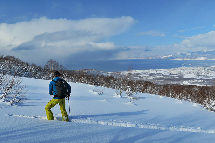 backcountry-ski-Japan-Hokkaido-guide-traverse