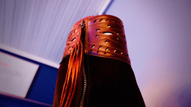 Damen Reitstiefel mit Applikationen in Leder gestanzt, feinvernäht