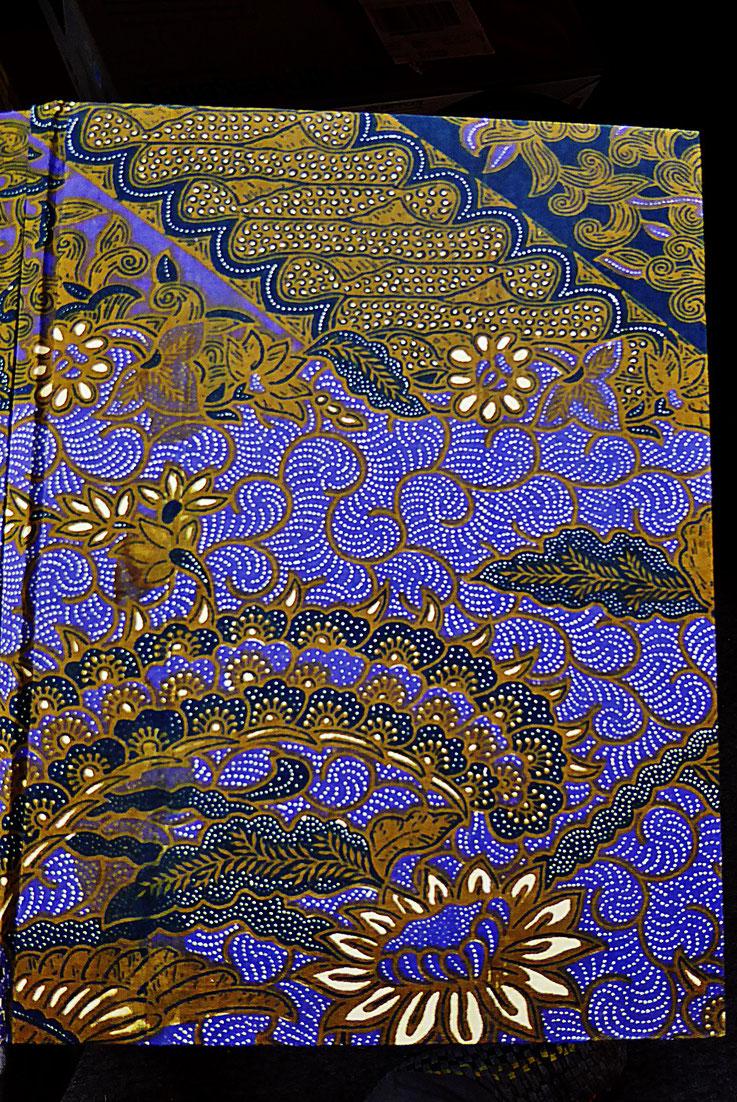 Pedro Meier – Gerhard Meier »Gedichte« mit zwölf Sepia-Lithographien von Pedro Meier – Paraphrasen – Gerhard Meier zum 70. Geburtstag – ISBN: 974–7315–30–3 – Elephant Press / Craftsman Press Bangkok MoMA, 1987 Thailand / Opere Verlag Bern SIKART Seite 2