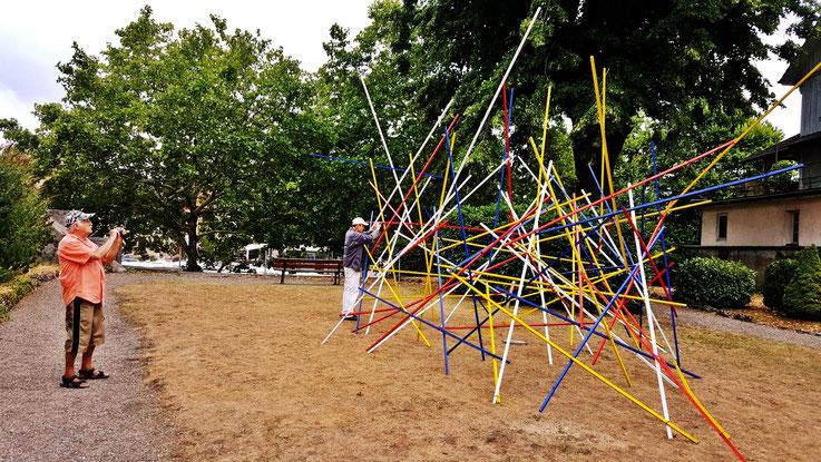 Pedro Meier – ArtWalk Mikado-Skulptur – Zeughausgarten Obertor Bremgarten – Vitaltransformer – . by © Pedro Meier Multimedia Artist, Atelier: Gerhard Meier-Weg Niederbipp und Bangkok Thailand – Kunsthalle Olten – DADA FLUXUS VISARTE SIKART Zürich