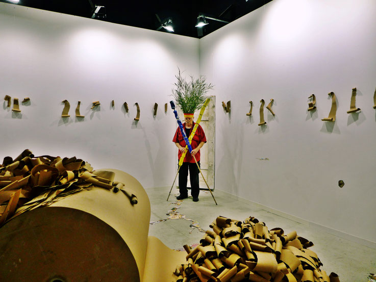 Pedro Meier – The last Mohicans, Fluxus DADA Climate Change Performance: Cellulose, Bamboo, trash alu beer cans, Homage to the indigenous Amazon peoples and Native American Indians. Gesamtkunstwerk. Graffiti Campus Attisholz. Visarte – SIKART Zürich