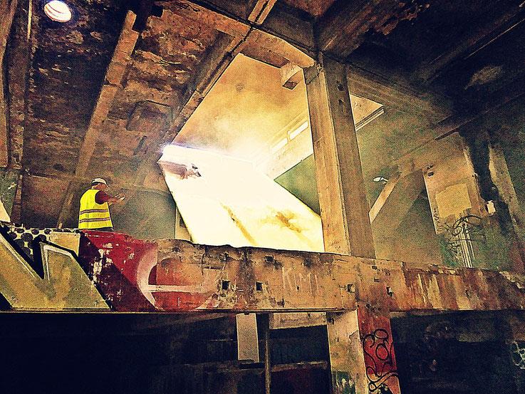 Pedro Meier Rauch Performance, Color Smoke Bomb Project King's Hall of Fame Graffiti Campus Attisholz Areal, Kantine Uferpark. Vitaltransformer. © Pedro Meier Multimedia Artist Niederbipp Kunsthalle Olten. Bangkok Art Group BACC. Visarte. Lexikon SIKART