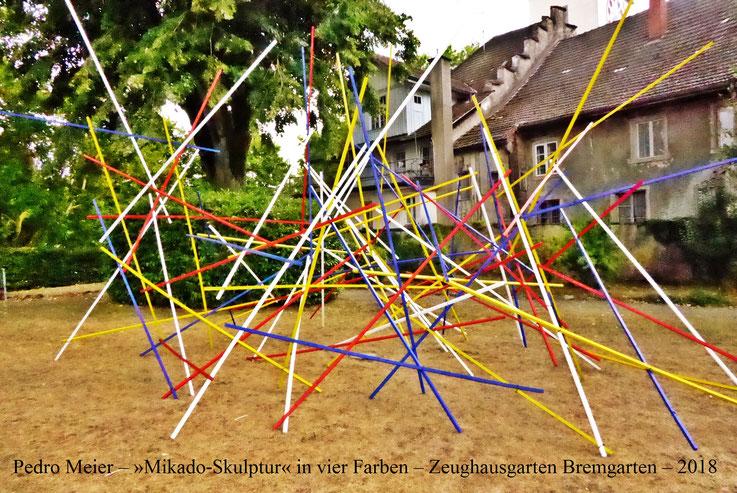 Pedro Meier – Obertor Zeughausgarten »Mikado-Skulptur in vier Farben«. Spittelturm ArtWalk Bremgarten. by © Pedro Meier Multimedia Artist, Atelier: Gerhard Meier-Weg Niederbipp und Bangkok Thailand – Kunsthalle Olten – DADA FLUXUS VISARTE SIKART Zürich