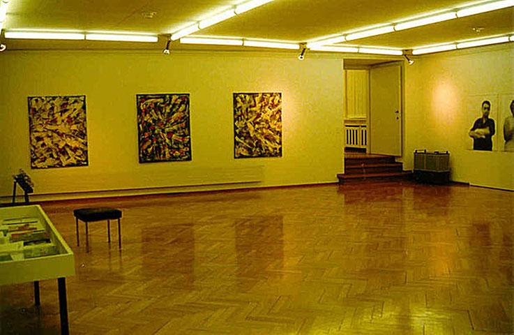 Pedro Meier – Olten Kunstmuseum Ausstellung 1997 – Eingang Parterre – »Impressionen Abstract Nr. 1 - 3« – Oelstift / Asphalt / Titanweiss auf Leinwand – 140x110 cm 1994 – by © Pedro Meier Multimedia Artist – Atelier Gerhard Meier-Weg Niederbipp, SIKART ZH