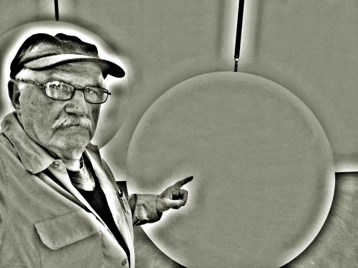 Pedro Meier meets PhYllida Barlow – Kunsthalle Zürich 2017 – Switzerland – »Selfie-Art-Project« Pedro Meier Nr. 33 – Photo © Pedro Meier Multimedia Artist – Gerhard Meier Weg, Niederbipp – Olten – Bangkok