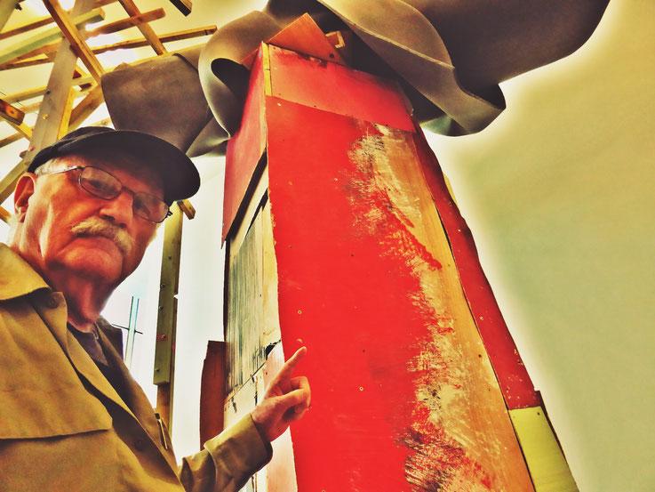 Pedro Meier meets PhYllida Barlow – Kunsthalle Zürich 2017 – Switzerland – »Selfie-Art-Project« Pedro Meier Nr. 27 – Photo © Pedro Meier Multimedia Artist – Gerhard Meier Weg, Niederbipp – Olten – Bangkok