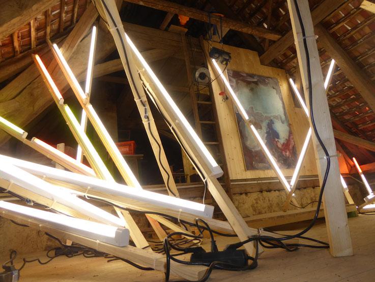Pedro Meier – Lichtkunst – Light and sound performance – Neon und LED-Installation 2017 Nr. 16 – im Dachstock Atelier Gerhard Meier-Weg Niederbipp – Photo © Pedro Meier Multimedia Artist / ProLitteris (Olten, Bangkok)