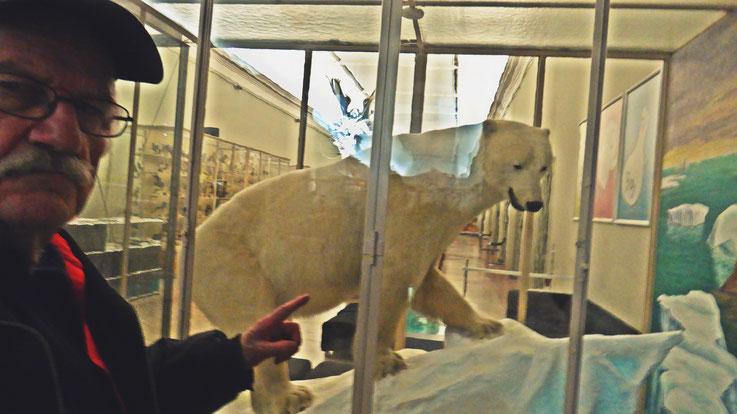 Pedro Meier – Ai Weiwei – »Selfie-Art-Project with polar bear« – »D'ailleurs c'est toujours les autres«, Musée cantonal des Beaux-Arts, Lausanne Switzerland, (Uli Sigg – Bernard Fibicher), Pedro Meier Multimedia Artist Gerhard Meier Weg Niederbipp Bangkok