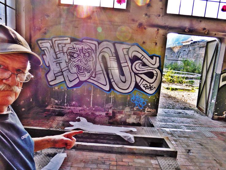 Pedro Meier Art – »Body Counting Nr. 19« – »Vor Jahren arbeiteten hier Menschen« – Performance / Installation – ArtCampus 2016 – Attisholz – Switzerland – Photo  © Pedro Meier – Swiss-German Multimedia Artist – Gerhard Meier-Weg Niederbipp, Bangkok, Olten