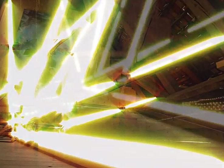 Pedro Meier – Lichtkunst – LightArt – Neon/LED – 200 Jahre altes Bauernhaus, Dachstock – Photo © Pedro Meier Multimedia Artist Visual Art Museum Bangkok FLUXUS – DADA – SIKART Zürich – Gerhard Meier Weg Niederbipp Bern bei Solothurn Oberaargau Switzerland