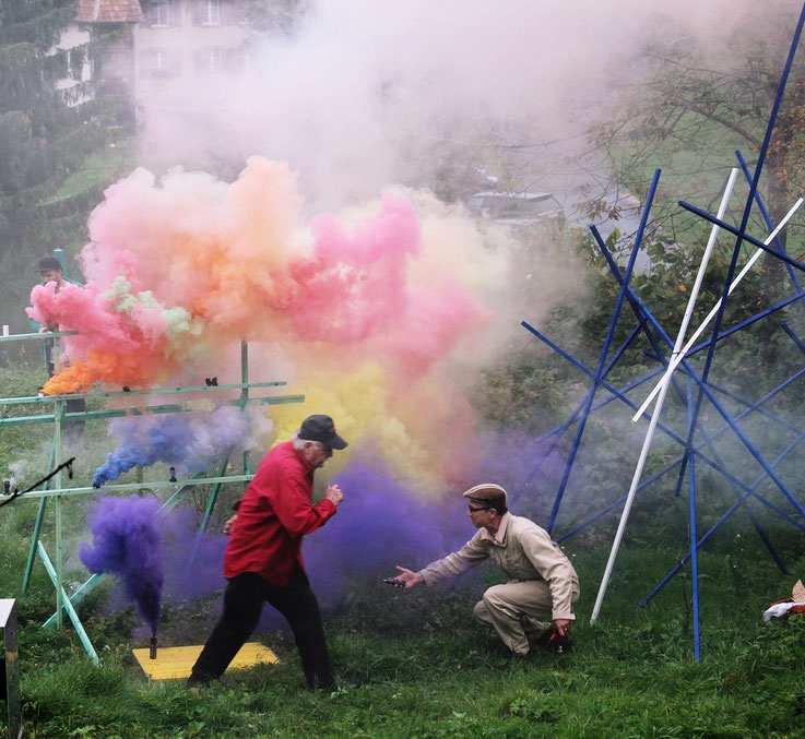 Pedro Meier – »Apocalypse Now – Color Smoke Project Nr. 4« 2017 – by Pedro Meier Multimedia Artist – Ausstellung »Work in Progress« – Stiftungshaus Eggenschwiler Eriswil – Switzerland – Archiv © Pedro Meier – Gerhard Meier-Weg Niederbipp – Olten – Bangkok