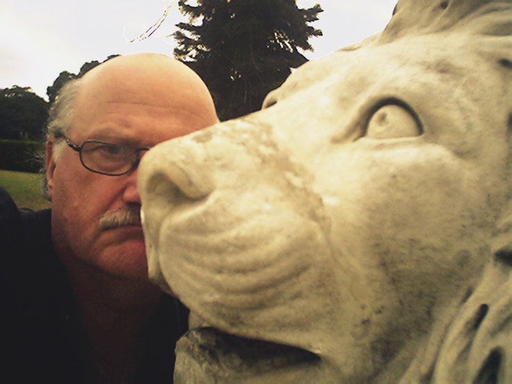 Pedro Meier SelfieArt – Art Gallery NSW Australia – The lion of Sydney – 2003 © Pedro Meier Multimedia Artist MoMA Visual Art Museum Bangkok – FLUXUS – DADA – SIKART Zürich, Atelier: Gerhard Meier Weg Niederbipp Bern bei Solothurn Oberaargau Switzerland