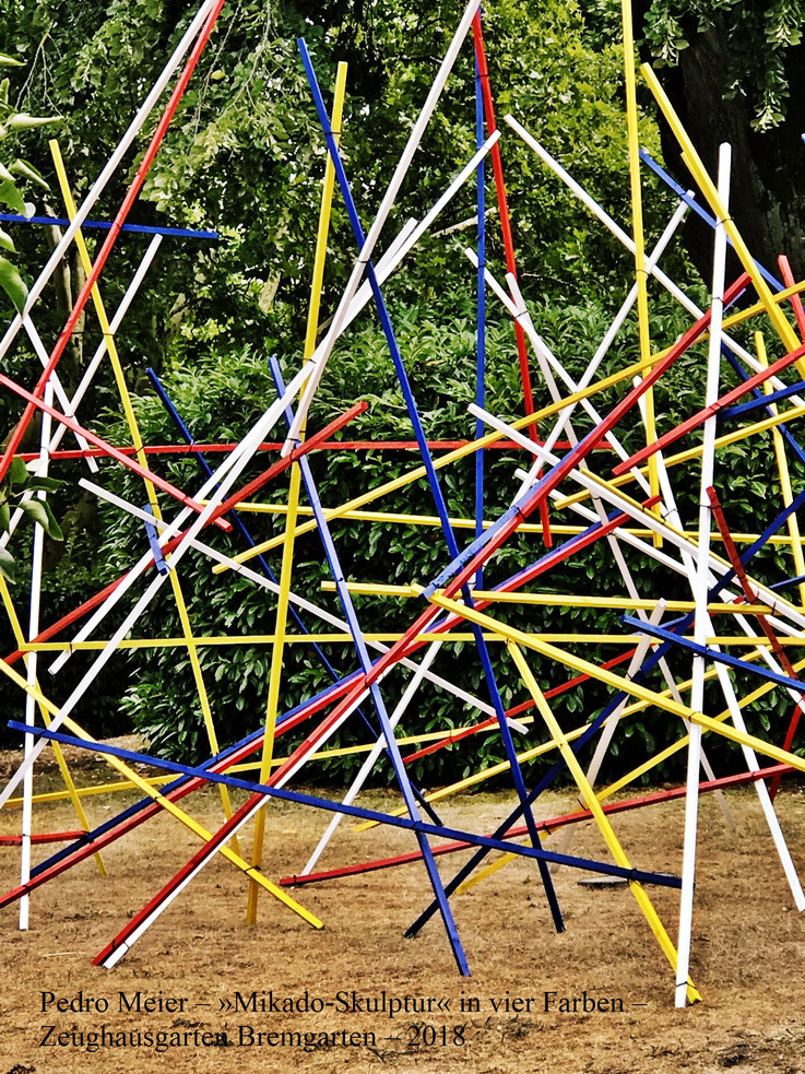Pedro Meier, ArtWalk Bremgarten »Mikado-Skulptur in vier Farben«. Spittelturm Zeughausgarten Obertor. 2018 by © Pedro Meier Multimedia Artist, Atelier: Gerhard Meier-Weg Niederbipp und Bangkok Thailand – Kunsthalle Olten. DADA FLUXUS VISARTE SIKART Zürich