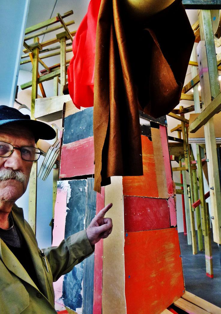 Pedro Meier meets PhYllida Barlow – Kunsthalle Zürich 2017 – Switzerland – »Selfie-Art-Project« Pedro Meier Nr. 29 – Photo © Pedro Meier Multimedia Artist – Gerhard Meier Weg, Niederbipp – Olten – Bangkok