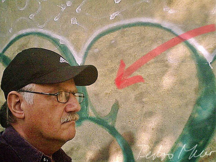 Pedro Meier – SBB Olten Aare Graffiti – PhotoArt by © Pedro Meier Multimedia Artist – »Selfie-Art-Project« 2003 – Atelier Gerhard Meier-Weg Niederbipp und Bangkok Thailand – Kunsthalle Olten Offspace. DADA FLUXUS MailArt DigitalArt VISARTE SIKART Zürich