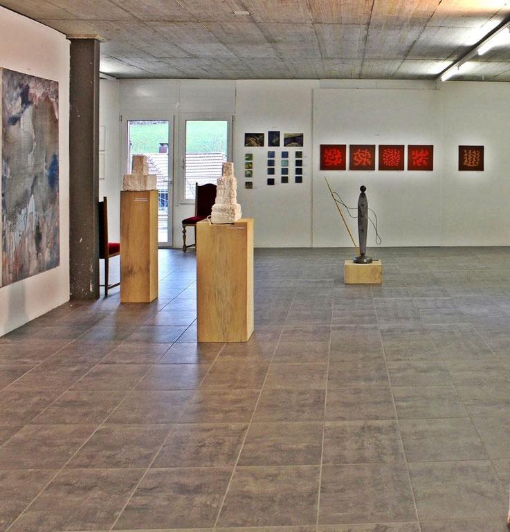 Pedro Meier – »Art Vent« Gruppenausstellung – Stiftung Eggenschwiler, Eriswil –Dez. 2017 – Pedro Meier Multimedia Artist vertreten mit 3 Arbeiten: 2 Skulpturen »Weiss Verschnürt«, 1 grosses Ölbild »Insel Rügen« 200 x150 cm – Gerhard Meier Weg Niederbipp