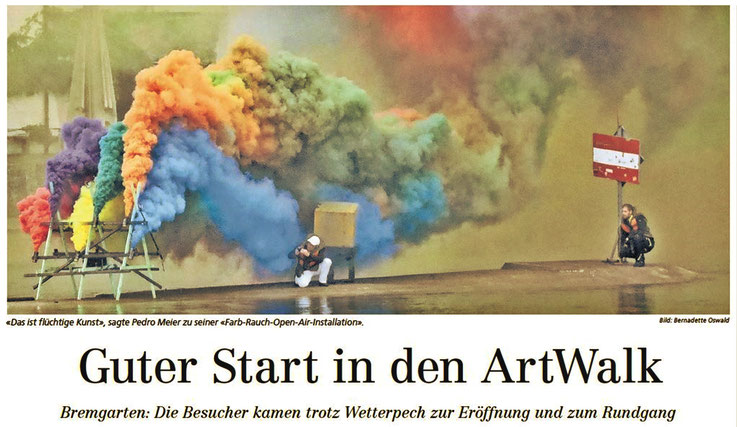 Bremgarter Bezirks-Anzeiger Frontseite – »Das ist flüchtige Kunst«, sagte Pedro Meier zu seiner »Farb-Rauch-Open-Air-Installation« – Bericht: Bernadette Oswald, 4.9.2018 – Pedro Meier – Rauchperformance – »Smoke On The Water« – Gerhard Meier Weg Niederbip