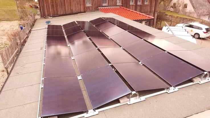 Ost-West-Aufgeständerte Photovoltaikanlage © iKratos