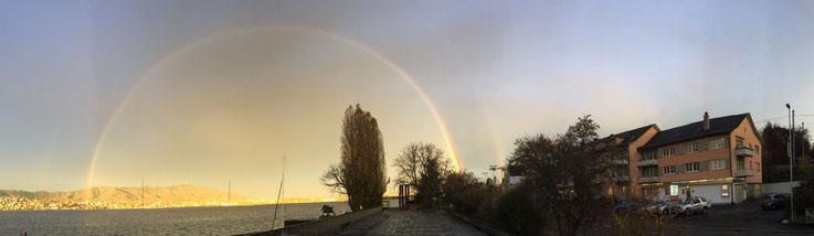 Ausgeprägter Regenbogen über Zürich