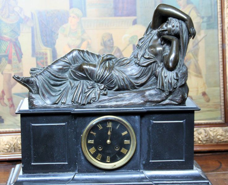 pendule sujet en bronze Ariane endormie