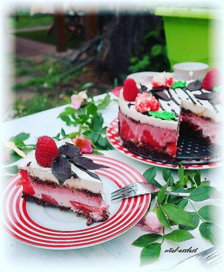 Rohkosttorte, Erdbeer, Himbeer, Schokolade, Macadamia, Cashew