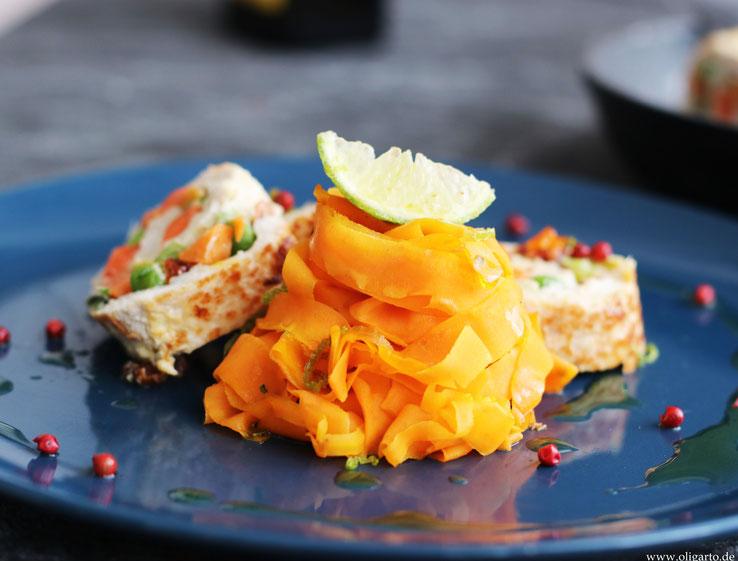 Karotten Tagliatelle mit Puteroulade Oligarto Foto Rezepte